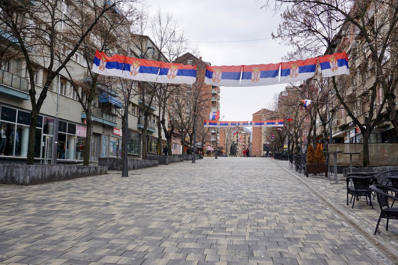 Serbische Flaggen im Kosovo