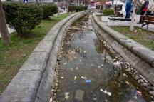 Müll ist im Kosovo leider allgegenwärtig