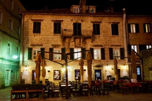 Beleuchtetes Restaurant