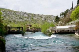Flußquelle im April