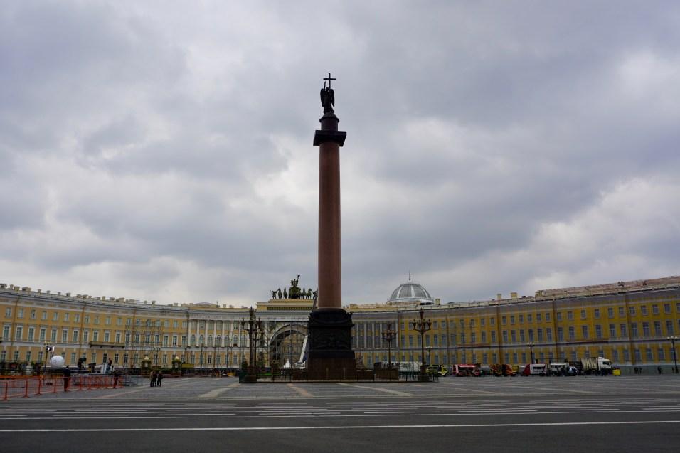 Hauptplatz mit Denkmal
