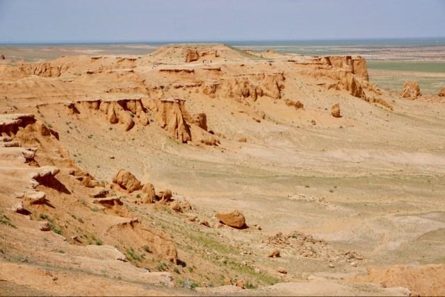 Flaming Cliffs im August