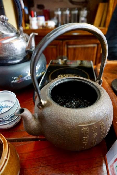 Tee-Verkostung in Lijiang