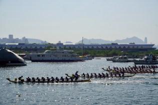 Drachenboot-Rennen im Oktober
