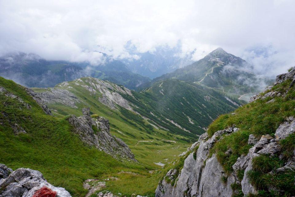 Es klart auf: die Aussicht auf die Berglandschaft ist einmalig