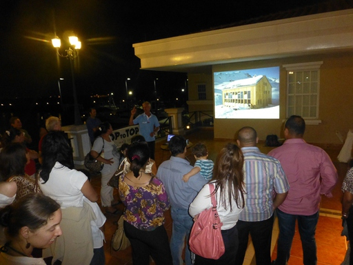 2013-03-21_panama_marina-flamenco_presentation-2.JPG