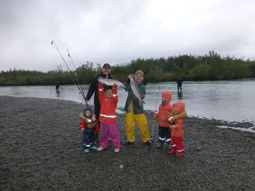 2013-09-01_alaska-cordova_salmon-fishing-family-ryan.JPG