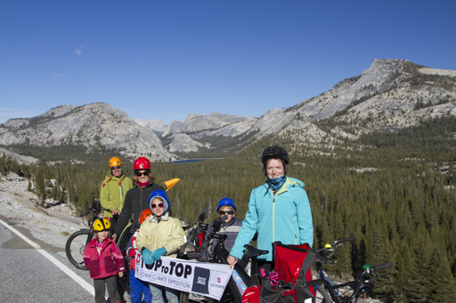 2014-10-26_usa_yosemite-cycling-across-tioga-pass.jpg