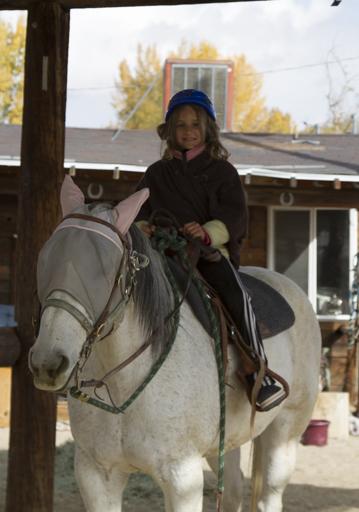 2014-11-01_usa-bishop_salina-horse-riding.jpg