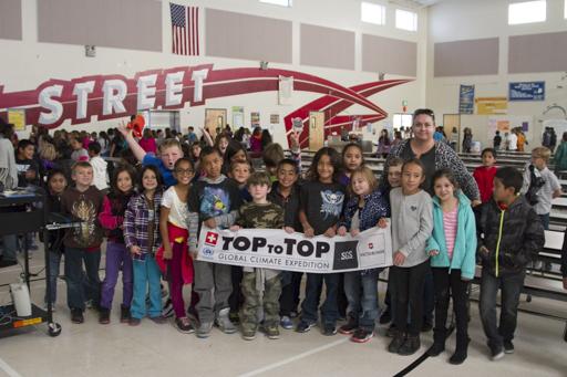 2014-11-03_usa-bishop_elementary-school-visit-class-photo.jpg