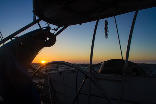 2015-04-01_usa-california_sun-set-on-passage-down.jpg