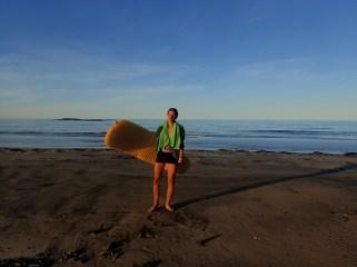 Taki żarcik. To nie plaża z deską surfingową ale materac do spania. Jest aż 4C.