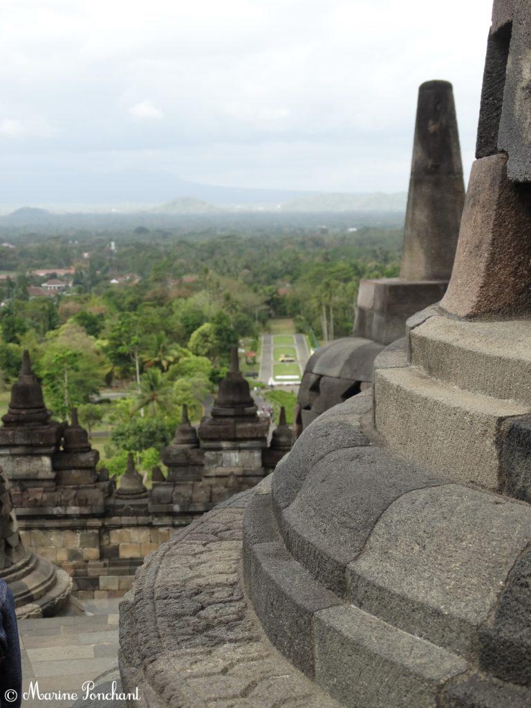 Vue des stuppas du temple