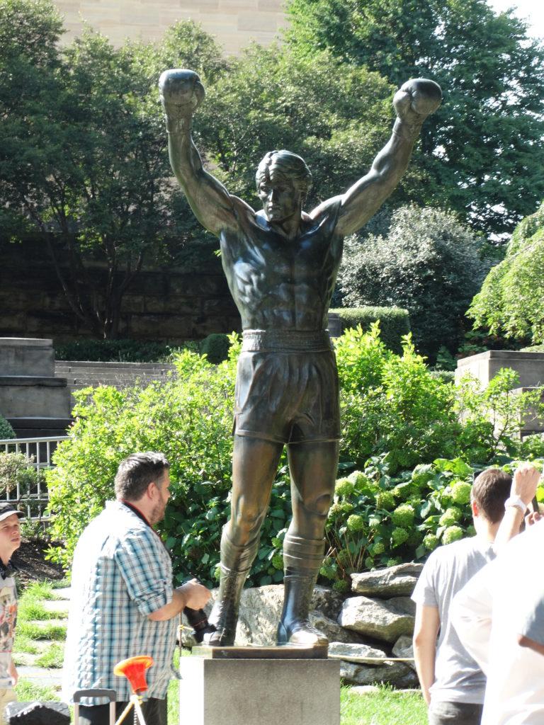 Selfie statue Rocky