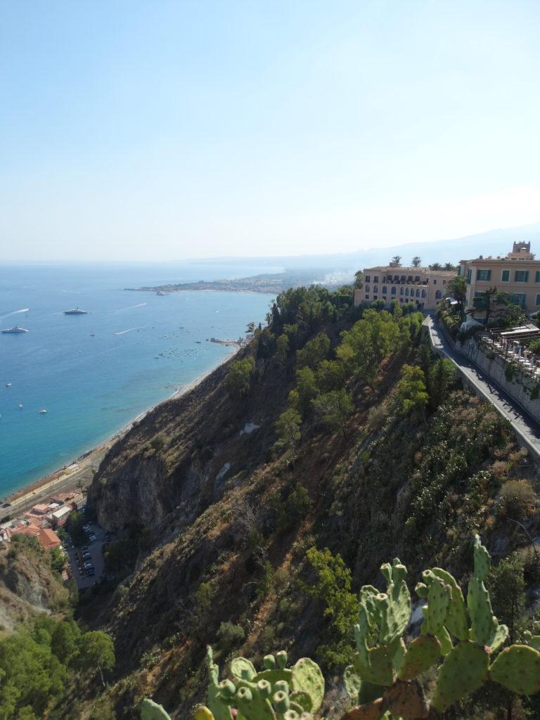 vue sur les falaises de la côte