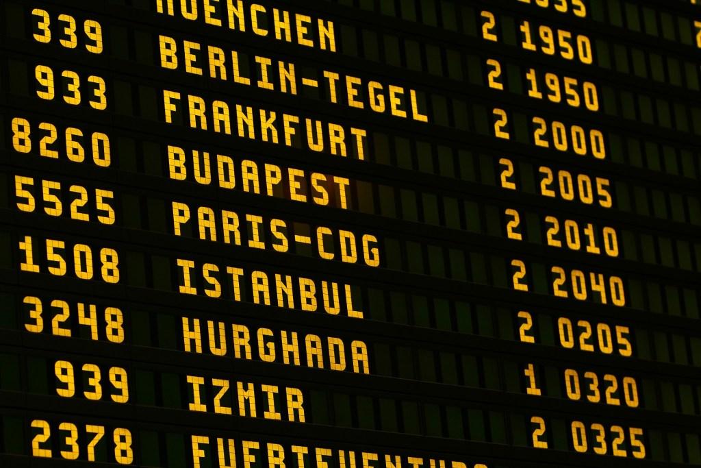 aéroport tableau billet d'avion moins cher