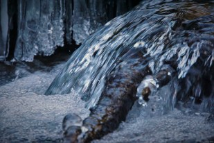 Bubbly water and ice in the Jura mountains - exploring the headwaters
