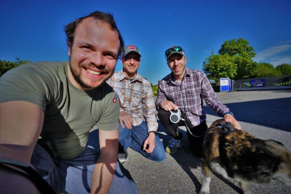 The three gentlemen and Laika