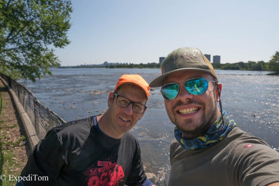 Sion and ExpediTom fly fishing the flats of Ottawa for Bass
