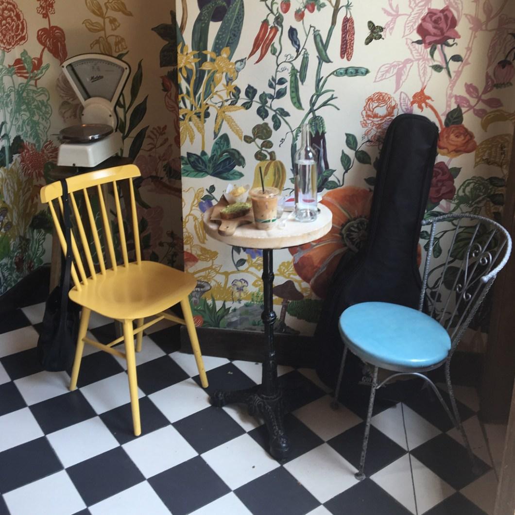 greenpoint-thebakeri-chaises