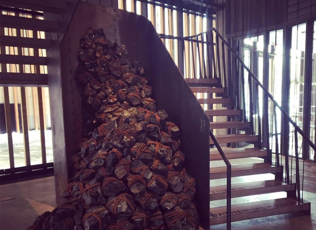 hotel1-brooklyn-bridge-art-stair