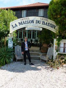 Main entrance to La Maison du Bassin