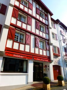 Front entrance of Hotel La Marisa