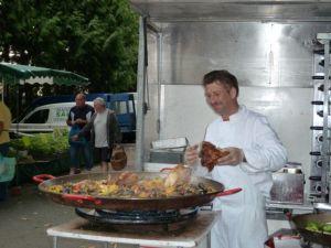Making paella at the Amboise market