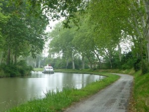 The Canal du Midi between Toulouse and Castelnaudery