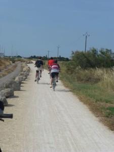 Path from Marseillan to Marseillan Plage