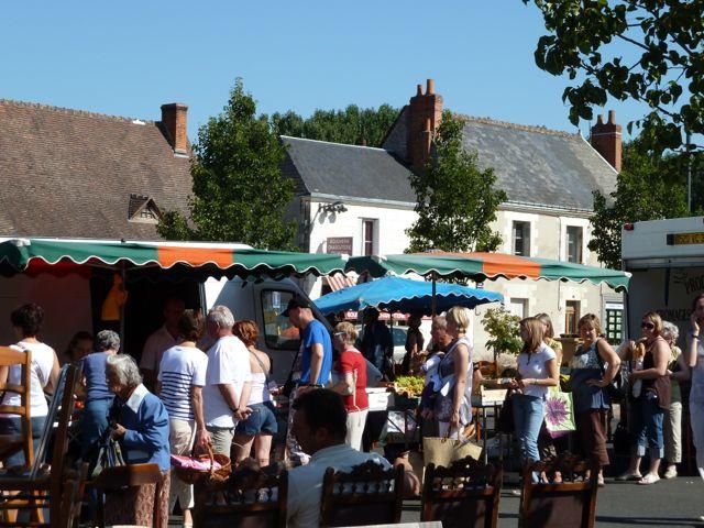 A small local market near Montbazon