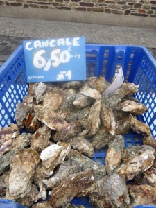 Our pre-lunch snack: Cancale oysters