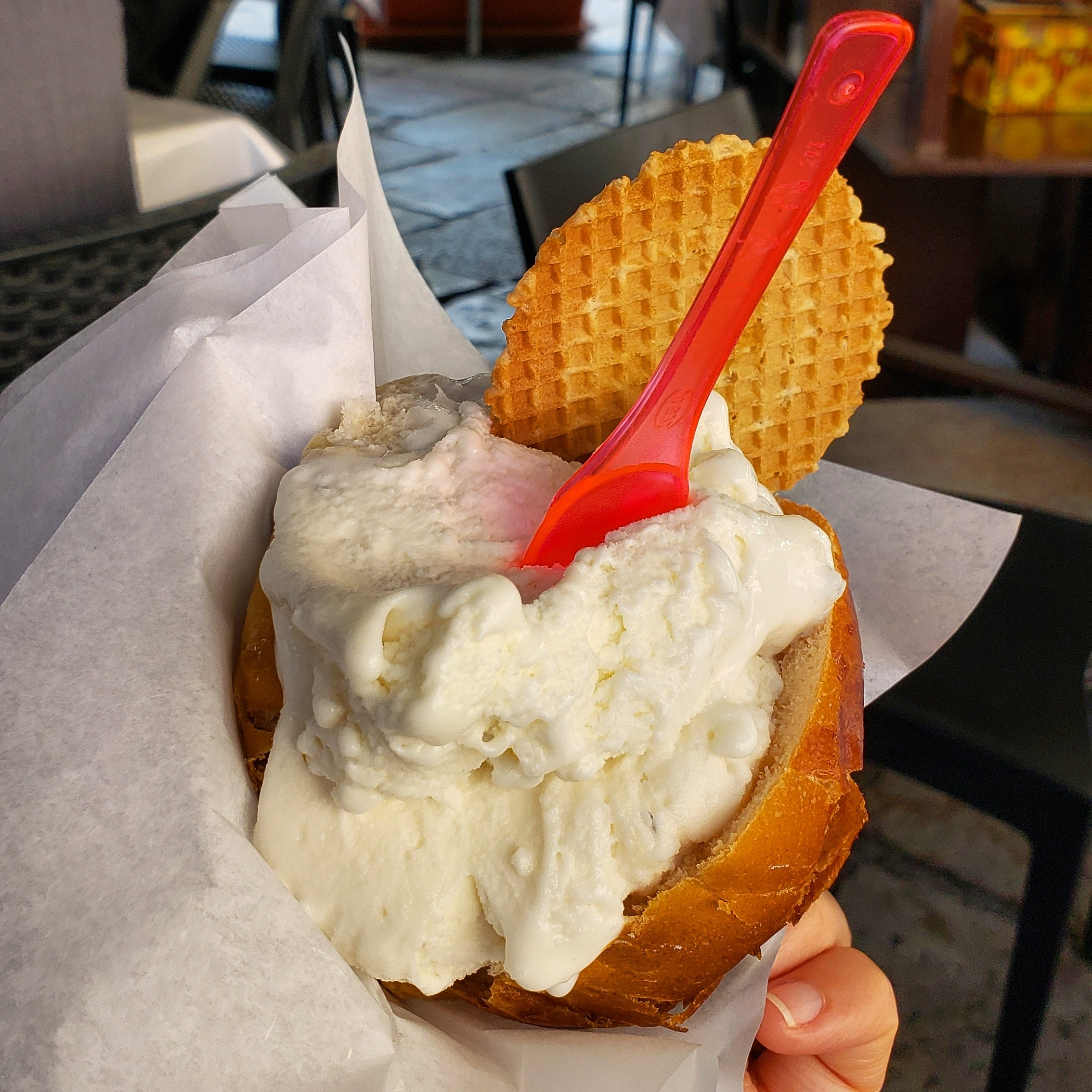 52 Reasons to Love Sicily   #36. Gelato in a Sweet Brioche