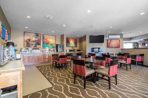 Comfort-Inn-Apalachin-Tioga-County-NY-Dining-Room