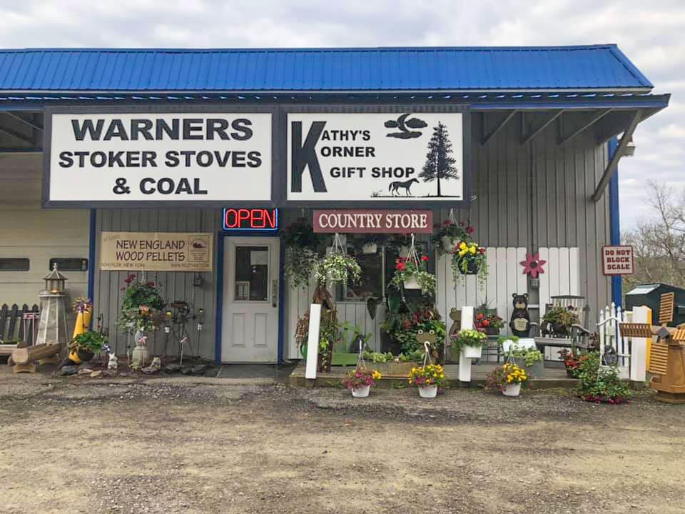 Kathy's-Korner-Gift-Shop-Candor-Storefront