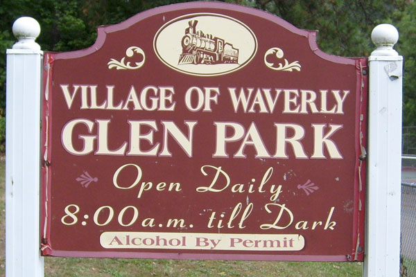 Waverly-Glen-Park-Sign
