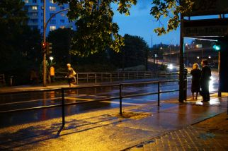 Den Wolkenbruch gerade verpasst, das Fahrrad noch am Platz, ab nach Hause und noch eben in die zweite Halbzeit reinschauen.