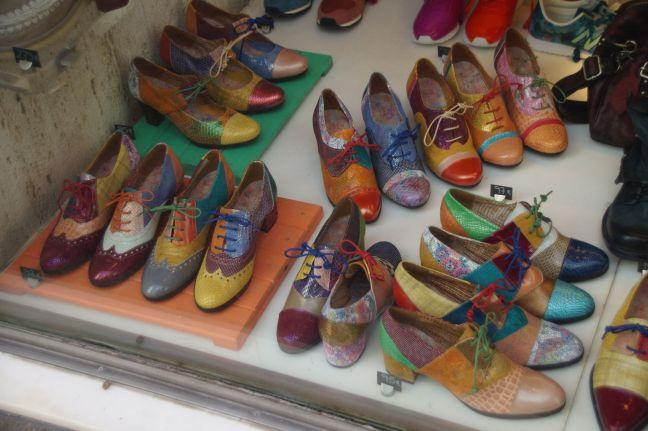 so viele Schuhe, so wenig Platz im Koffer...