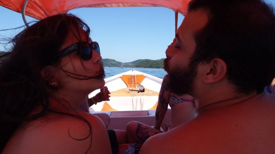 Bruna e Felipe no Táxi Boat / Foto: Rodrigo Rímoli
