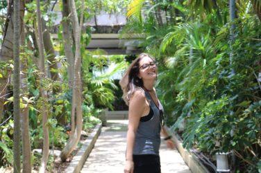 Bruna no jardim no terraço do Edifício Matarazzo - Foto: ExperimenteSP