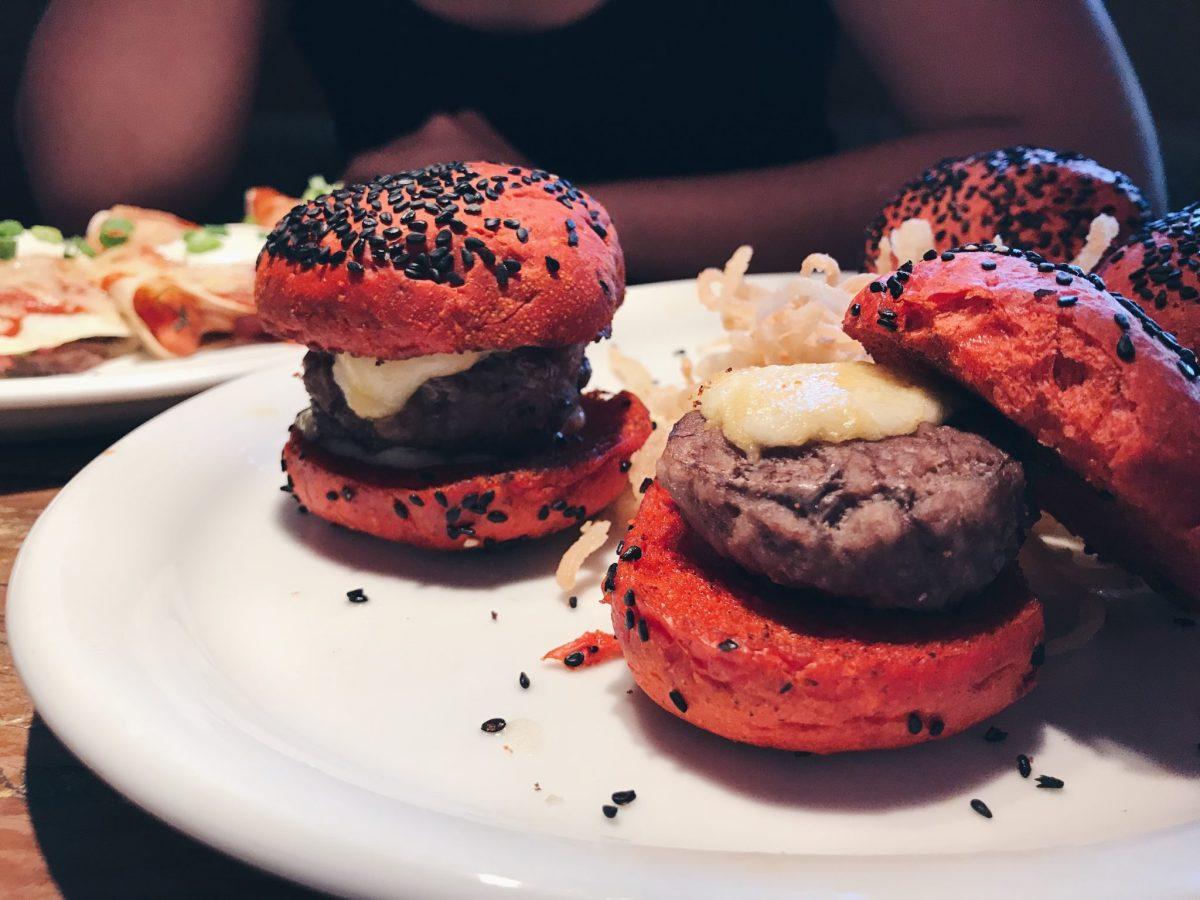 Rodízio Tex-Mex com mini hambúrguer à vontade