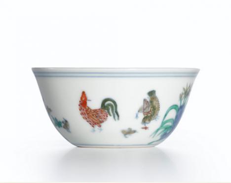 """trés joli """"bol au coq"""" de l'empereur Chenghua du XVe siècle"""