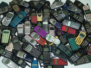 1213459406_mobile_phones_old