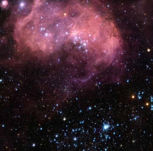"""Туманность LHA N 120-11, телескоп """"Хаббл"""". Фото NASA/ESA"""
