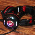 A4 Tech Bloody G300 (Black+Red): стильная игровая гарнитура с неоновой подсветкой