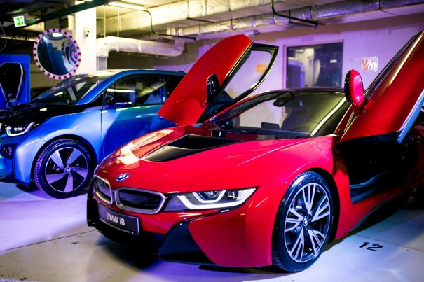 E-CAR HUB: Electric Cars in Radisson Blu Hotel Kyiv