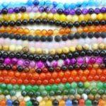 Бусины из натуральных камней – идеальные украшения для всех