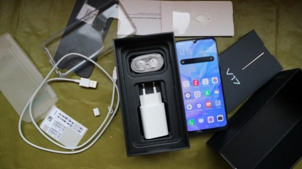 комплект поставки Vivo V17