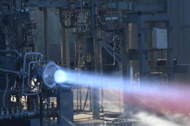 НАСА тестирует огнем 3D-печатные детали ракетного двигателя