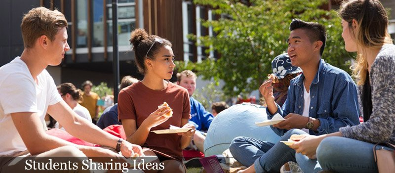Students_Sharing_Idea